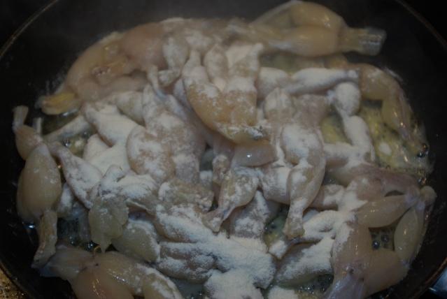 Gainer des cuisses légères de grenouilles de bas de soie.