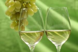 Verres de blanc via fr.freepik.com