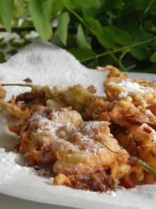 Beignets de fleurs d'acacia via odelicesdupalais.canalblog.jcom