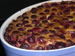 Clafoutis aux cerises via culinaryshow.canalblog.com