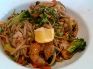 Pad thaï poulet-crevettes © Blandine Vié