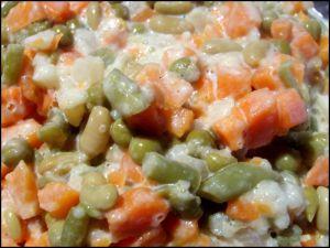 Macédoine de légumes via gourmandisesetci.canalblog.com