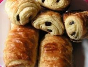 Petits pains au chocolat via cuisine.journaldesfemmes.com