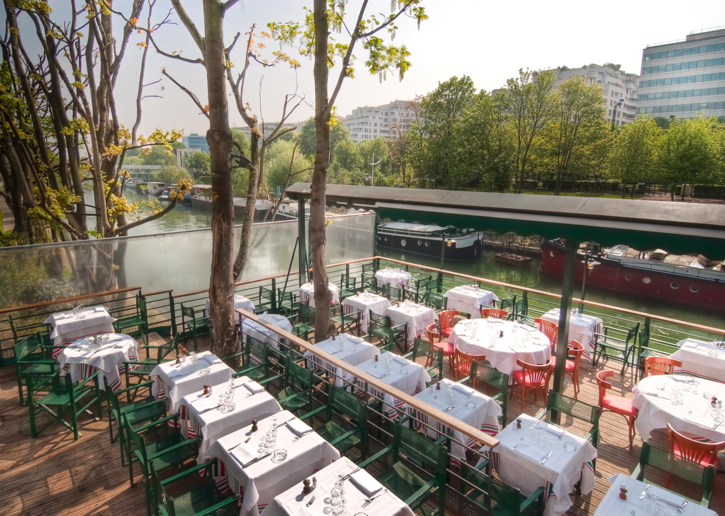 Le petit poucet terrasse ext for Restaurant le jardin neuilly