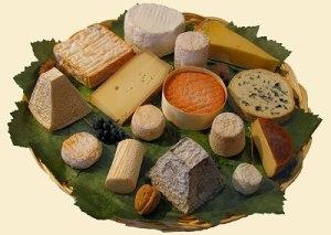 Plateau de fromages via portail-des-vins.com