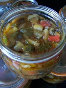 Ratatouille en bocaux via aupaysdesdelices.net