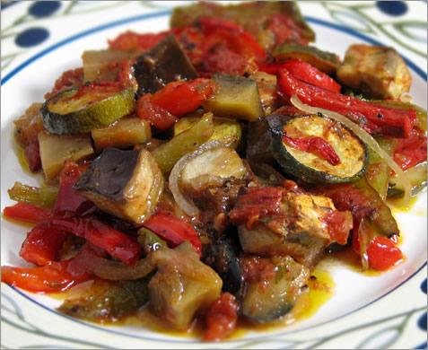 Ratatouille via bonpetitsplatsdegwena.centerblog?net