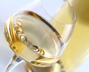 Verre de vin blanc via lequai10.fr