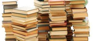 piles de livres via lecompte.lise-marie.over-blog.com