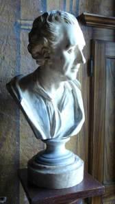 Buste Montesquieu via chateaulabrede.com