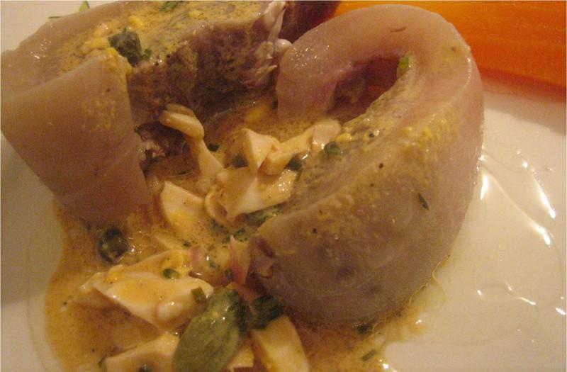 Tête de veau sauce gribiche via lesbonsptiplats.canalblog.com