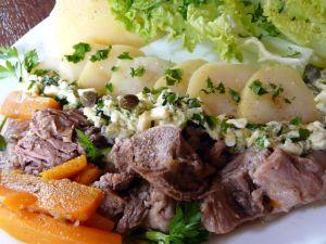 Tête de veau sauce ravigote via gastronomades.canalblog.com