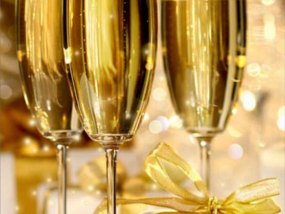 3 verres de champagne via savoie-mont-blanc.com