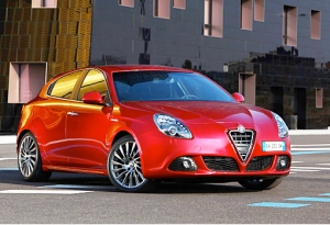 Alfa Romeo rouge via neoves.com