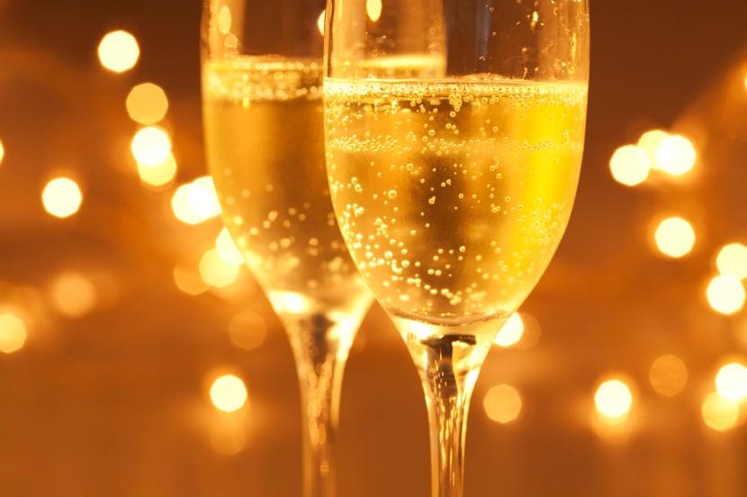 Champagne via optionsbinaires.empireoption.com