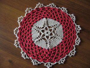 Napperon au crochet via morganetill.canalblog.com
