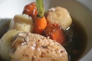 Pot au feu de foie gras de canard © Christophe Girardot
