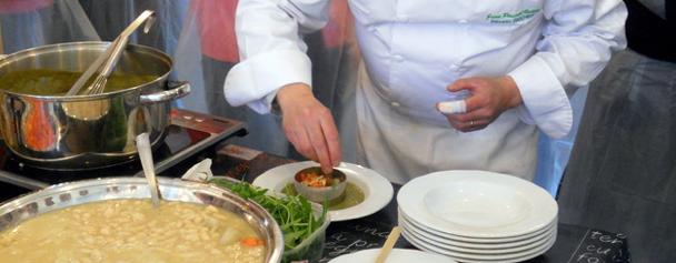 Dressage à la main sans gants mais avec pansement via danslacuisinedekarine.cuisineblog.fr