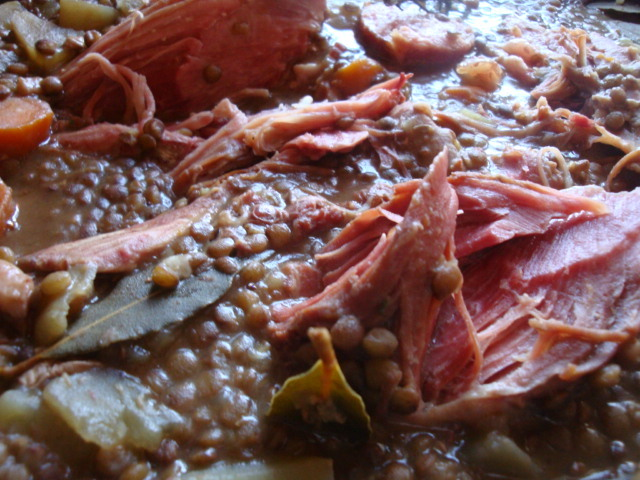 Petit salé aux lentilles via aftouch-cuisine.com