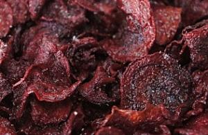 Chips de betterave rouge via lepotdeterre63.canalblog.com