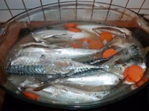 Maquereaux marinés au vin blanc via lesfoodies.com