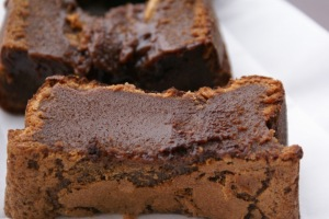 Fudge au chocolat au lait via delicieusementsimple.com