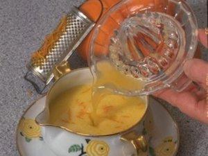 Sauce maltaise via petites-recettes-toutes-simples.overblog.com