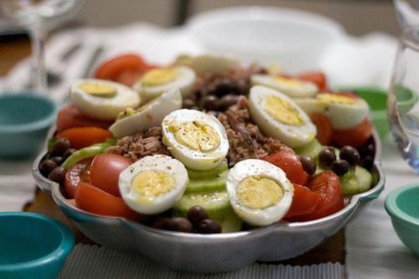 Salade nicoise au thon via meltyfood.fr