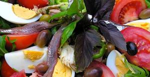 Salade nicoise via salle-mariage-aix.com