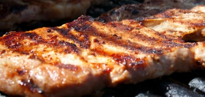 Travers de porc grillé