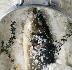 Bar en croûte de sel © ma-toscane.com
