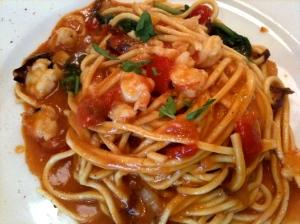 Spaghetti à la chitarra aux crevettes © Greta Garbure