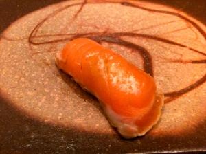 Sushi à la truite du lac Léman marinée © Greta Garbure