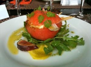 Tomate-mozza retravaillée © Greta Garbure
