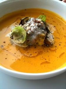 Velouté de potiron, pain perdu aux champignons © Greta Garbure