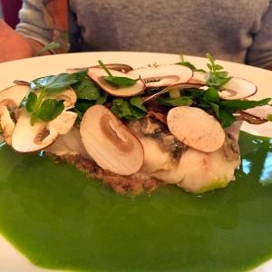 Bar sauvage braisé tartare d'huîtres © Greta Garbure