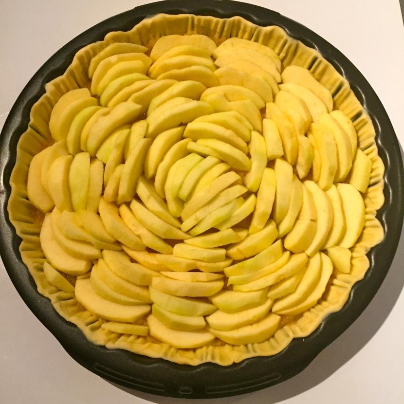 Faire une tarte aux pommes © Greta Garbure