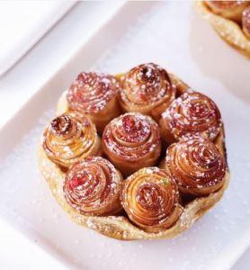 La tarte aux pommes bouquet de roses® d'Alain Passard