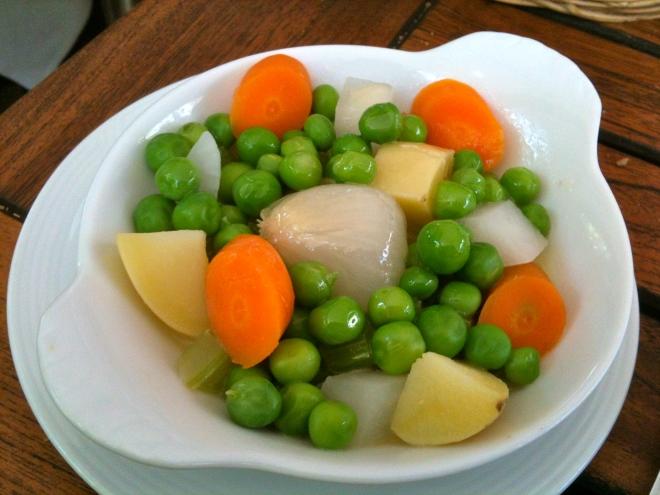 Petits légumes printaniers glacés © Greta Garbure