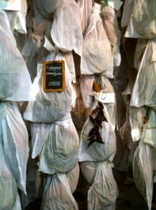 Les magnifiques jambons d'Éric Ospital © Greta Garbure