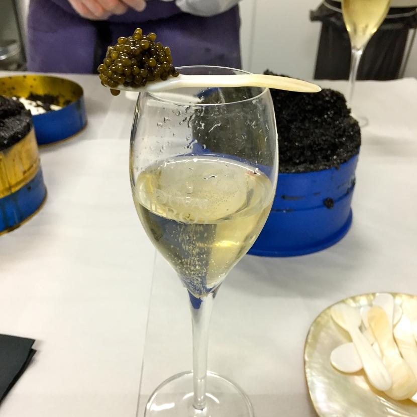 Caviar et champagne © Greta Garbure