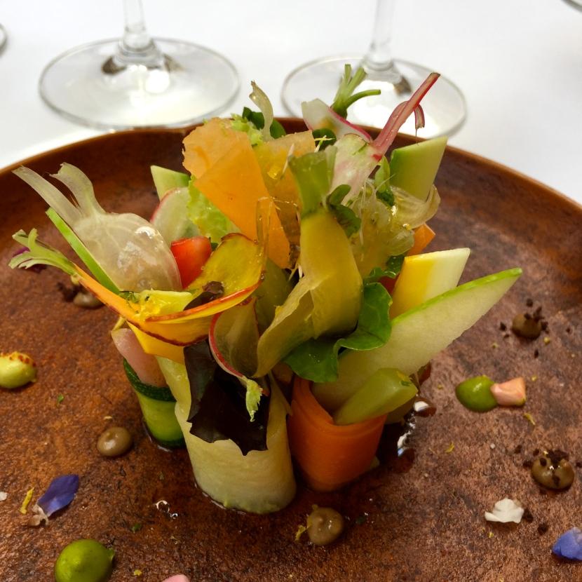 Bouquet de légumes des jardins d'Île de France et de fruits © Greta Garbure
