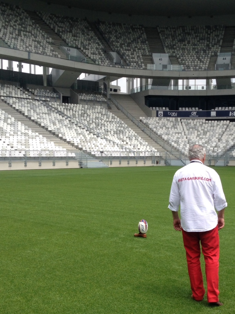 Silence dans le stade © Guy Charneau