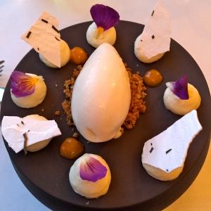Yuzu, meringue, sablé, sorbet © Greta Garbure