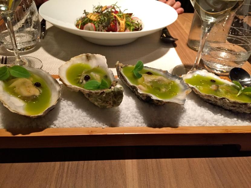 Caviar d'aubergine aux huîtres de Marennes © Greta Garbure