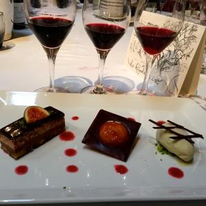Dacquoise chocolat, figue rôtie et crème glacée à la pistache © Greta Garbure