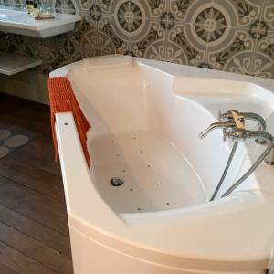 Notre baignoire bouillonnante © Greta Garbure