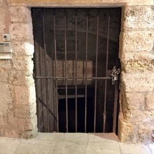 Porte de cave © Greta Garbure