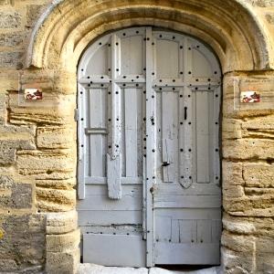 Porte grise © Greta Garbure