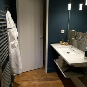 Une salle de bains © Greta Garbure
